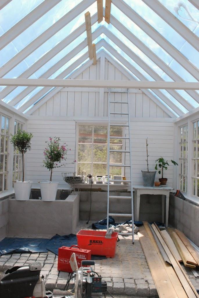 Bygga växthusdörr